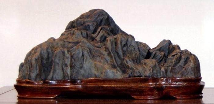 Οι Πέτρες Δύναμης - Σουισέκι
